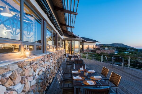 grootbos-forest-lodge-dining-deck-royal-african-discoveries-03
