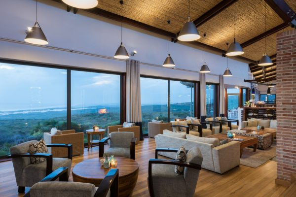 grootbos-forest-lodge-main-lounge-royal-african-discoveries-04